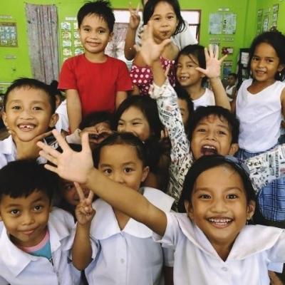 フィリピンでチャイルドケア&地域奉仕活動 R.I.